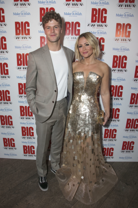 A Wish For Christmas Cast.Jay Mcguiness Kimberley Walsh And The Cast Of Big The