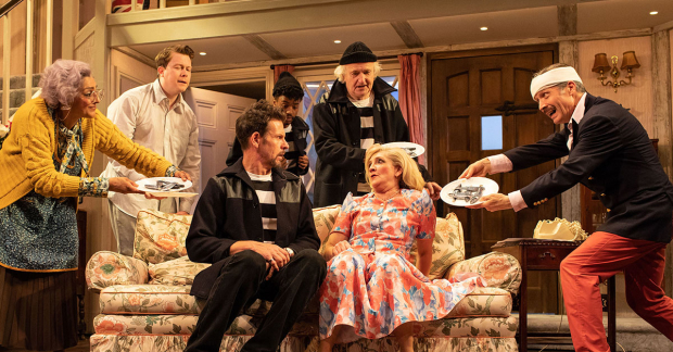 Review: Noises Off (Lyric Hammersmith Theatre) | WhatsOnStage